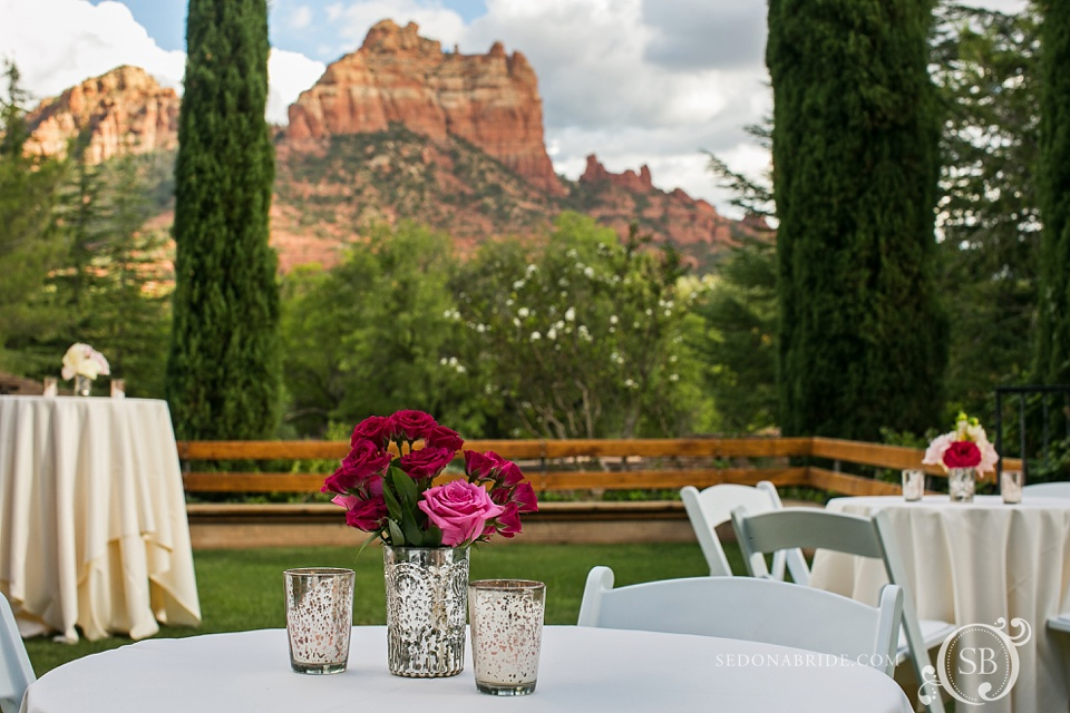 Arizona Sedona wedding flowers and view of Snoopy Rock