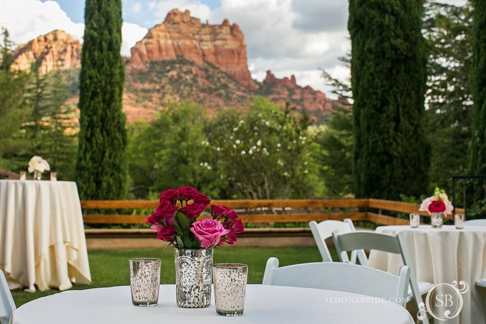 Arizona Sedona wedding flowers and view of Snoopy Rock